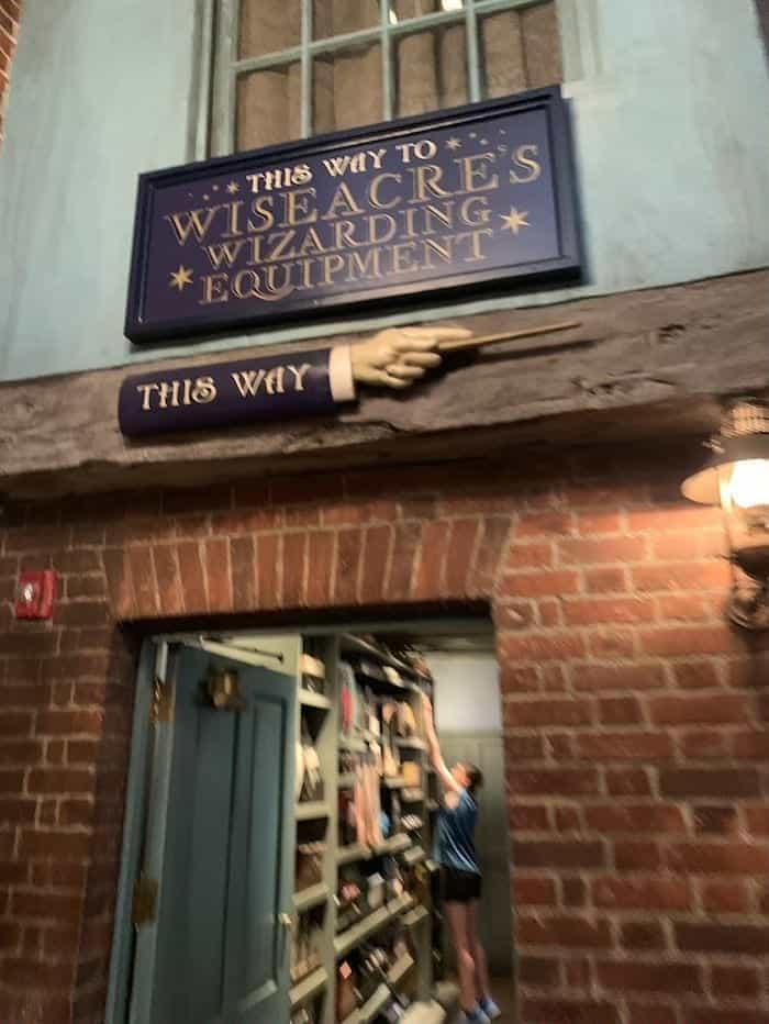 Wiseacre's Wizarding Equipment universal studios